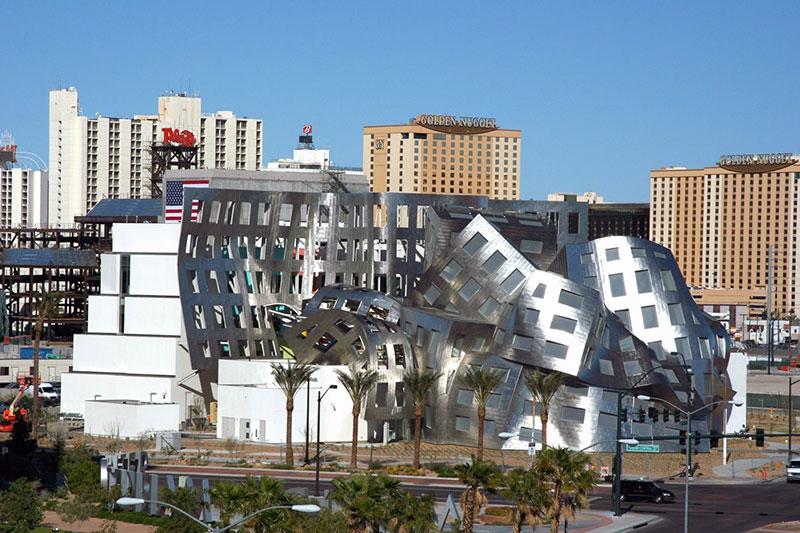 Dekonstruktivizam u arhitekturi
