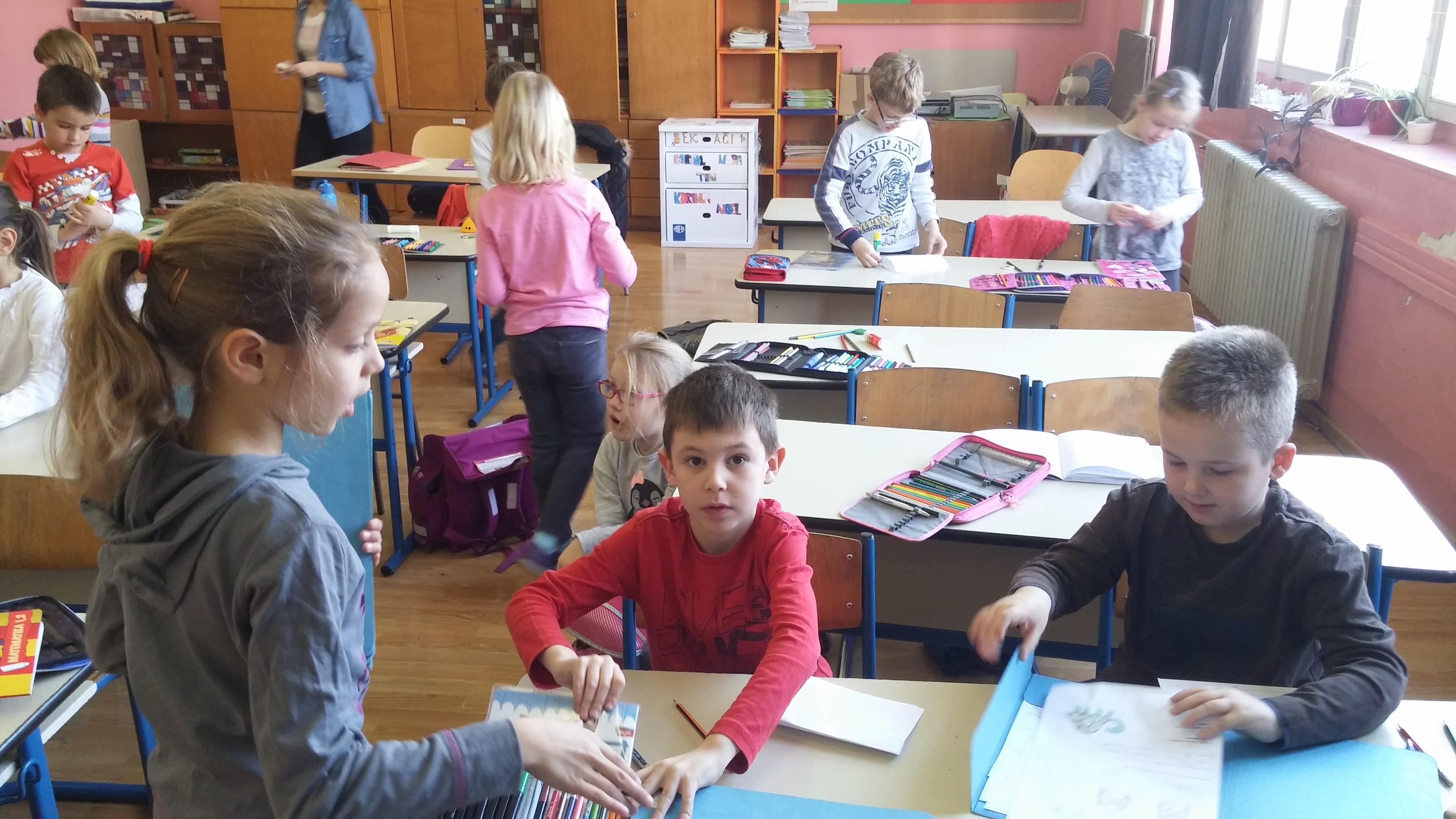 Muški učitelji upoznavanje učenika