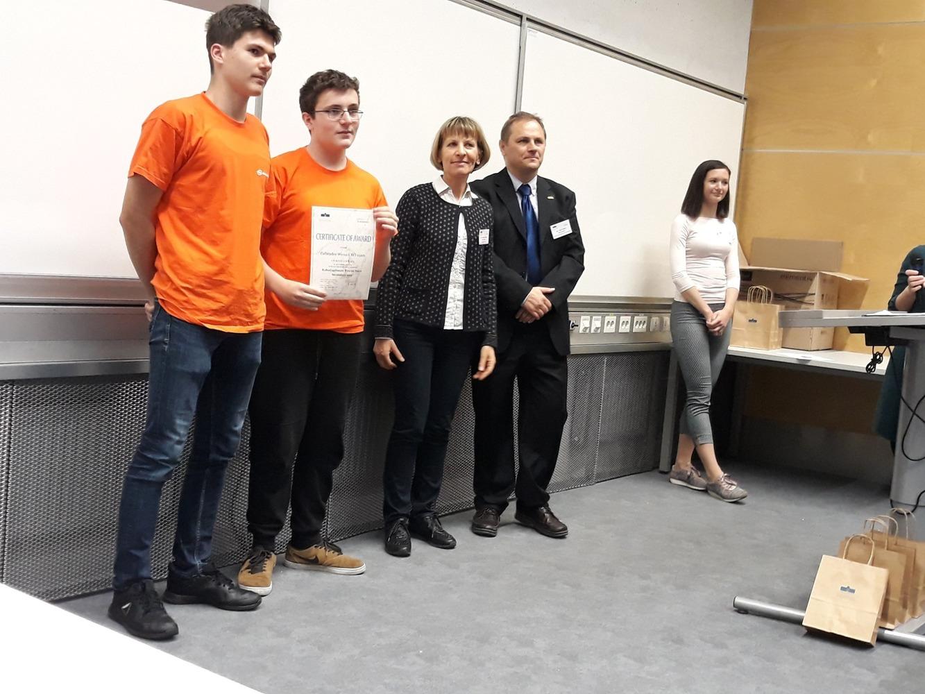 1. mjesto ekipa Gebruder Weiss u kategoriji Rešovanje Labirint za srednje škole