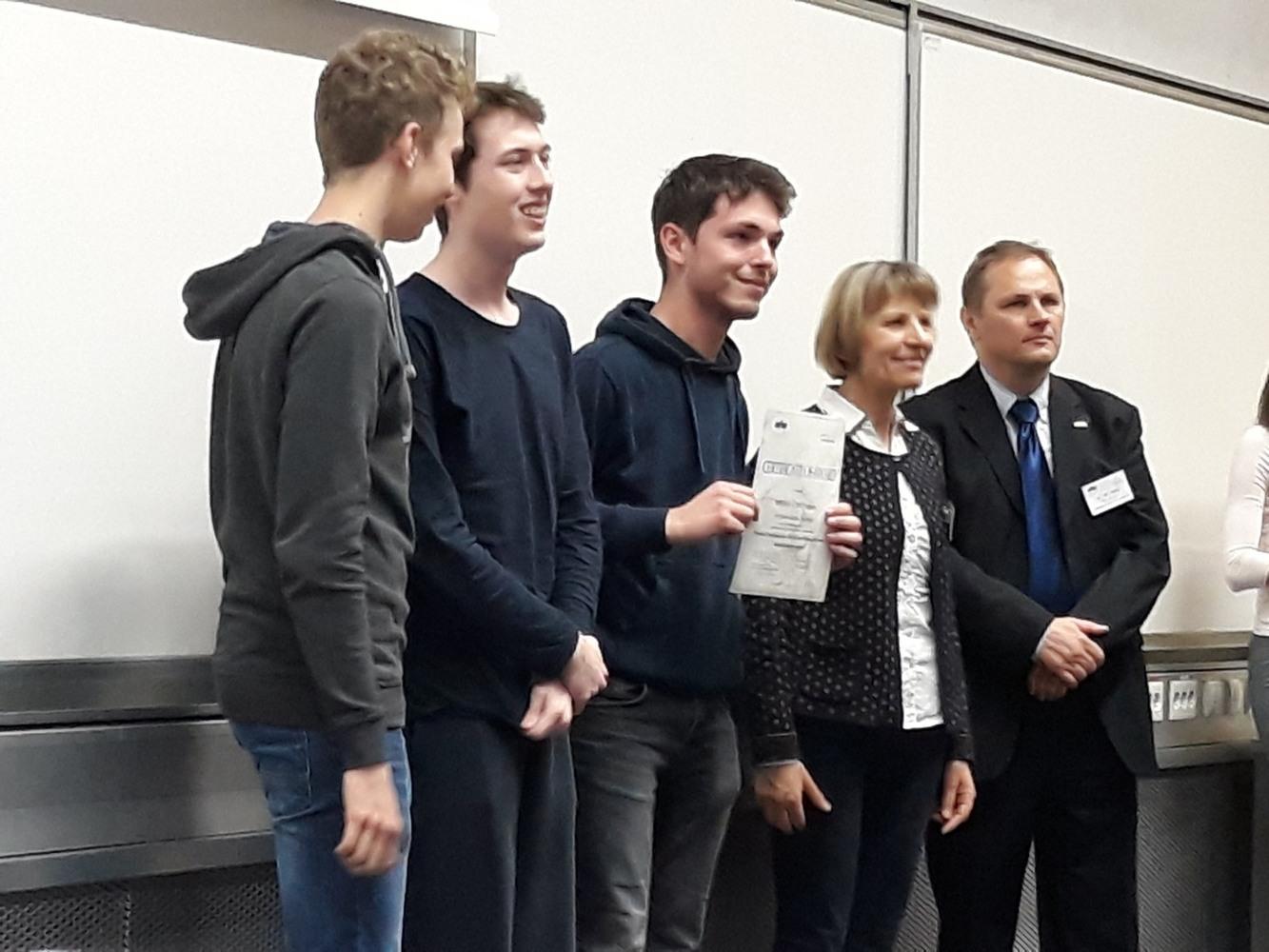 1. mjesto ekipa MIOC u kategoriji Rešovanje Simulacija za srednje škole