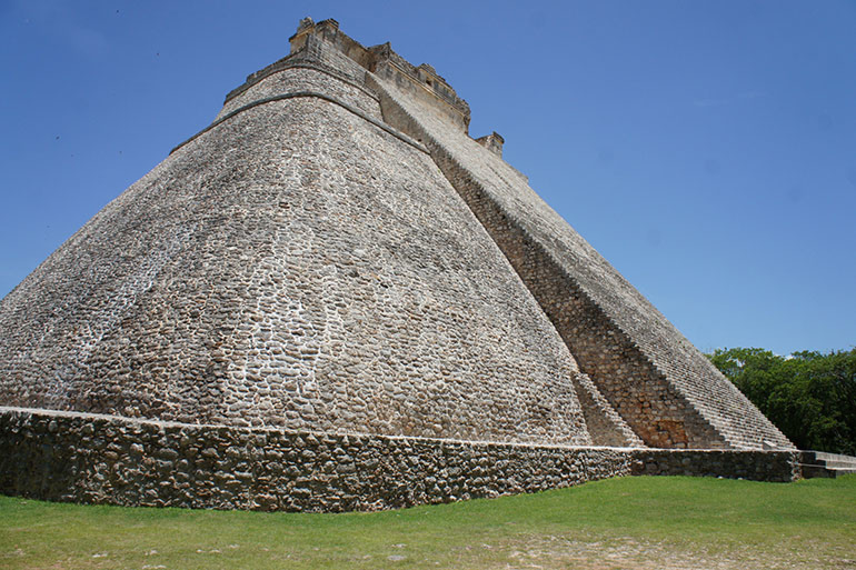 Piramida Čarobnjaka u Uxmalu, Meksiko
