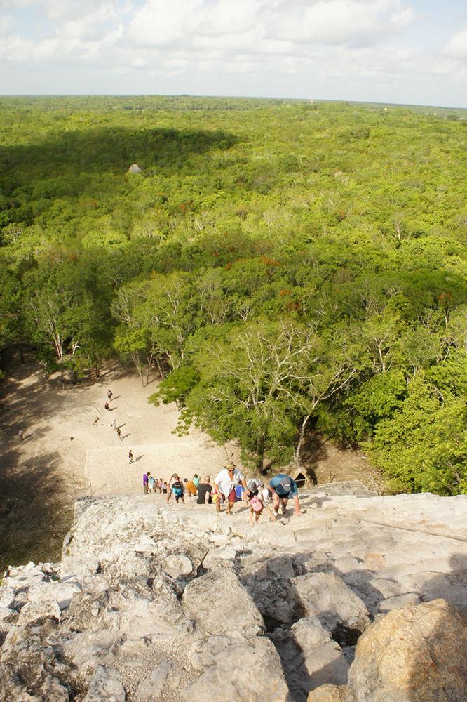 Masovni turizam na meksički način, penjanje na piramidu