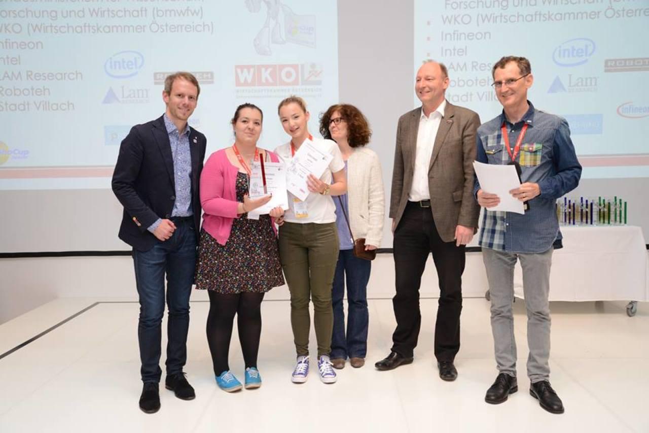1. mjesto Rescue Dance Secondary, tim Tardis iz Karlovca, Una Šnajdar i Lara Šoše