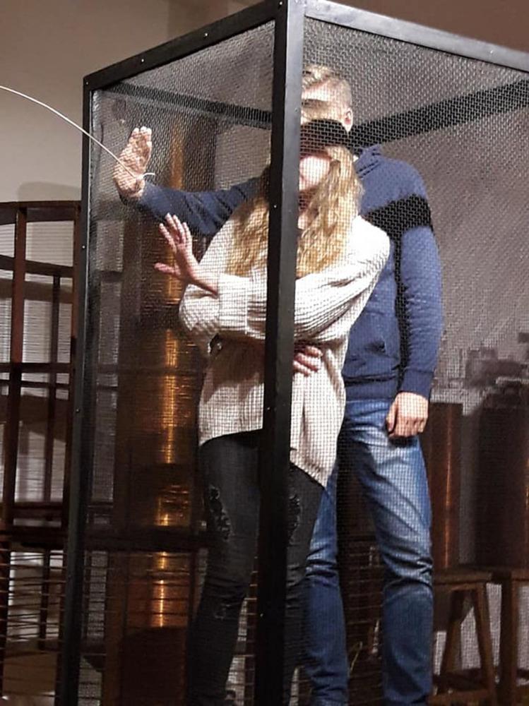 Sudionici projekta Hrvatski i njemački izumitelji i njihovi izumi isprobavaju sigurnost  Faradayeva kaveza