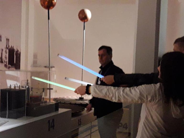 Svjetlosni mačevi u Tehničkom muzeju  − projekt Hrvatski i njemački izumitelji i njihovi izumi